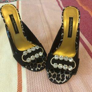 25494a88bce4 Beverly Feldman black patent heels 7 1/2